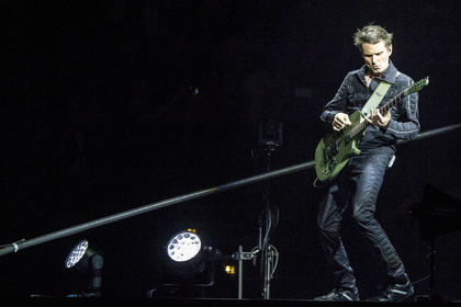 Licht und Sound - Fotos: Muse live in der Barclaycard Arena in Hamburg
